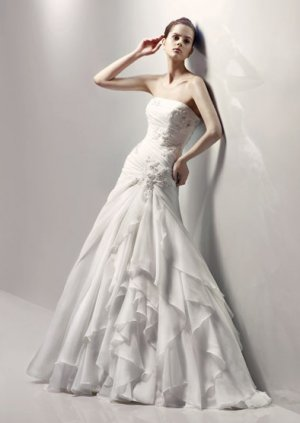 Gorgeous Appliqued Strapless A-line Wedding Dress JW0002