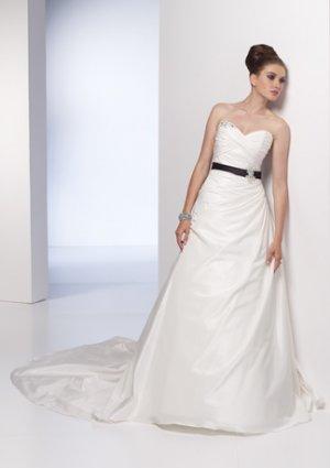 Appliqued Sweetheart Strapless A-line Wedding Dress AI0010