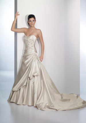 Scatter Appliqued Sweetheart Strapless Wedding Dress AI0023