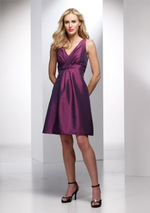 Sleeveless V-neck Knee-length Wedding Dress AI0041