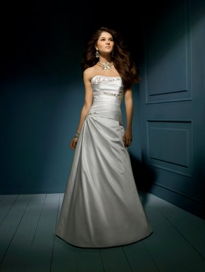 Wedding Dresses/ Wedding Gowns -- Nice Appliqued and Beaded Strapless Wedding Dress AA0042