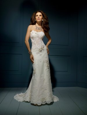 Wedding Dresses/ Wedding Gowns -- Flowers Decorated Strapless Slim Style Lace Wedding Dress AA0047