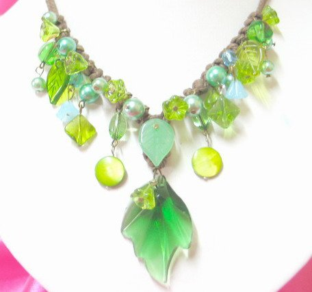 free shipping ~ NB402 GORGEOUS CRYSTAL CLEAR GREEN DANGLE LEAF NECKLACE