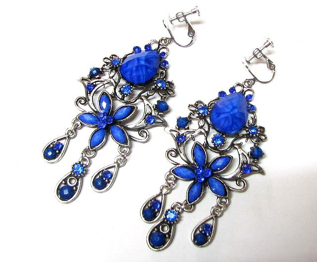*FREE SHIPPING *E1681 Beautiful Blue Dangle Floral Clip On Earrings 8cm
