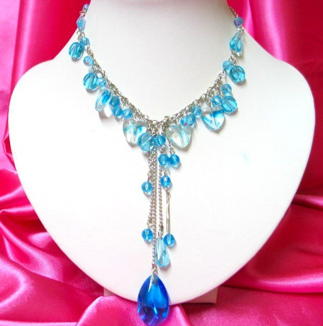 *FREE SHIPPING*NB419 GLASS PENDANT DANGLE HEART BLUE NECKLACE 18 inches