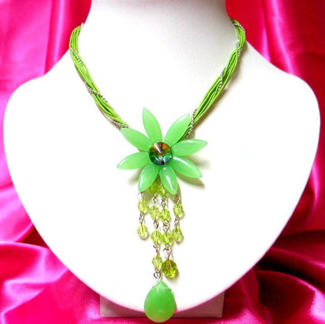 *FREE SHIPPING*NB208 FASHION JEWELRY DANGLE FLORAL STRINGS NECKLACE 18in.