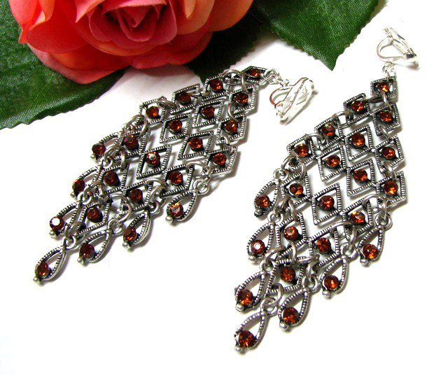 E1657 Brown Rhinestone Exotic Clip On Earrings 9.5cm