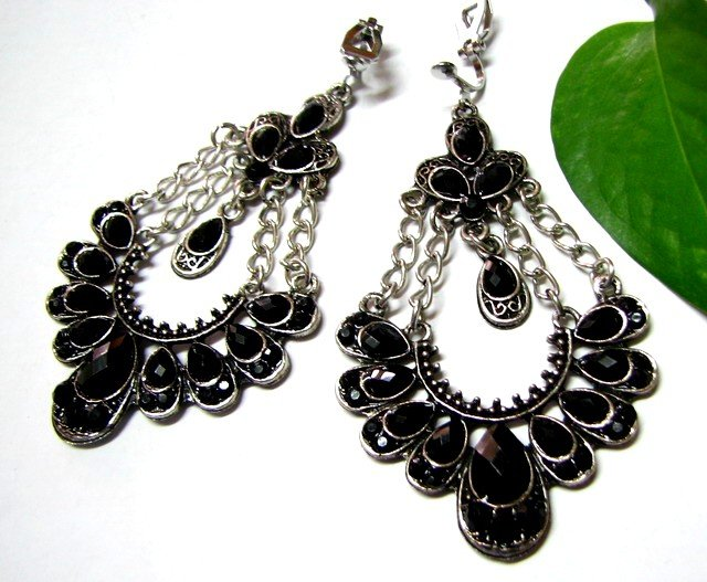 E1660 Charming Black Rhinestone Clip On Earrings 7.5cm