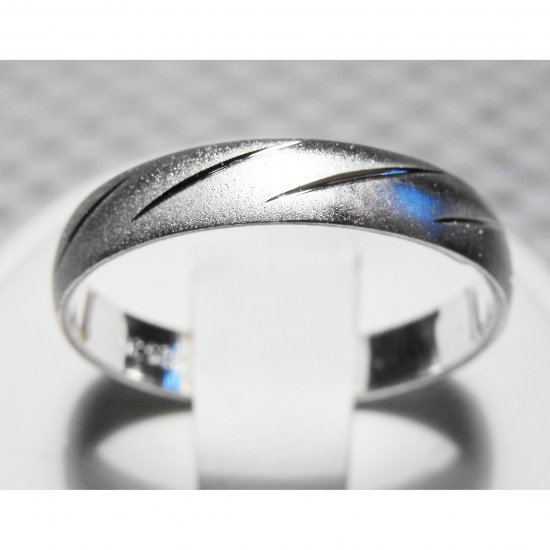 Size 8 Men's Sterling Silver Ring (101)