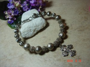 silver-tone bead pet necklace with cross, size 8 1/2