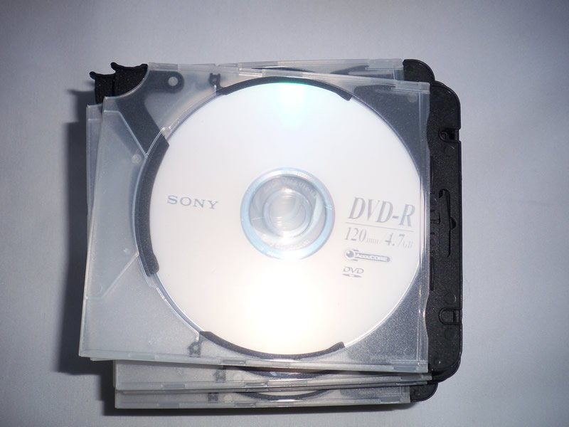 25 Blank Sony DVD-R Discs with Plastic Trigger Cases -NEW-