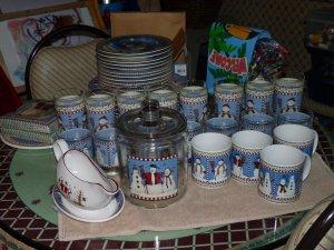 & Sakura Debbie Mumm Snowman Dishes Set