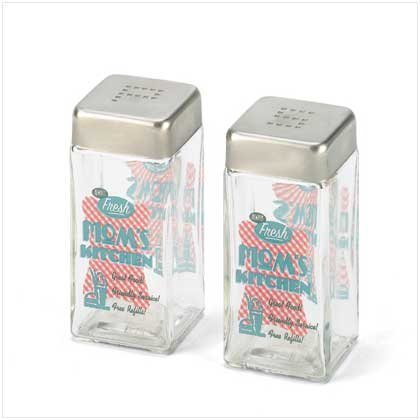 MOM'S KITCHEN SALT & PEPPER SHAKERS  Retail: $7.95