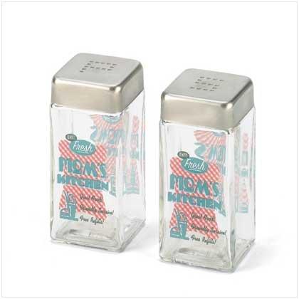 MOM'S KITCHEN SALT & PEPPER SHAKERS  Retail; $7.95