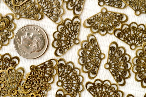 30pcs Antique Bronze Brass Filigree Wrap Charm Pendant 23.5mm be35b