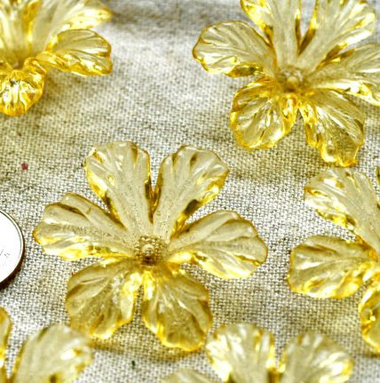 12pcs Translucent Yellow Cherry Blossom Flower Beads 28mm p160y