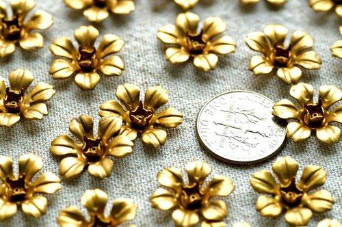 20pcs Aged Brass Stamping Filigree Flowers 16mm bf15