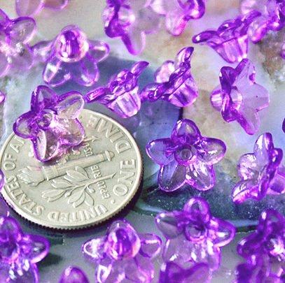 100 Acrylic Translucent Purple Flower Beads p168p