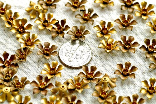 24pcs Aged Brass Filigree Flowers Finding bf17