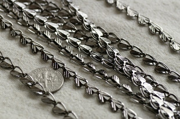 Gunmetal Black Plated Metal Heart Link Chains c132 (3ft)