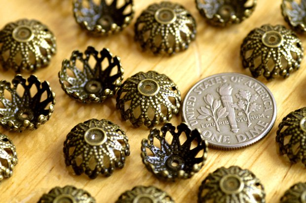 40pcs Antique Bronze Plated Brass Stamping Filigree Flower Bead Caps bc21b