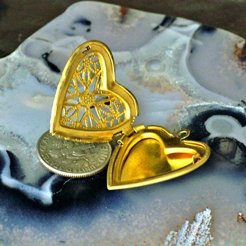 4pcs Raw Brass Filigree Heart Lockets Pendant b50