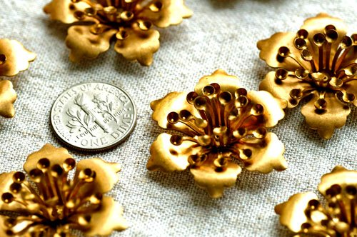 6pcs Aged Large Brass Stamping Filigree Flowers 32mm bf19