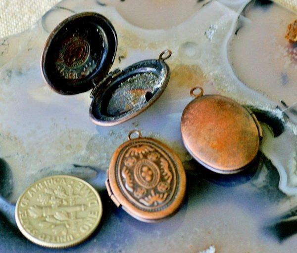 4pcs Antique Copper Brass Oval Filigree Locket Charms Pendant 24x16mm b26d