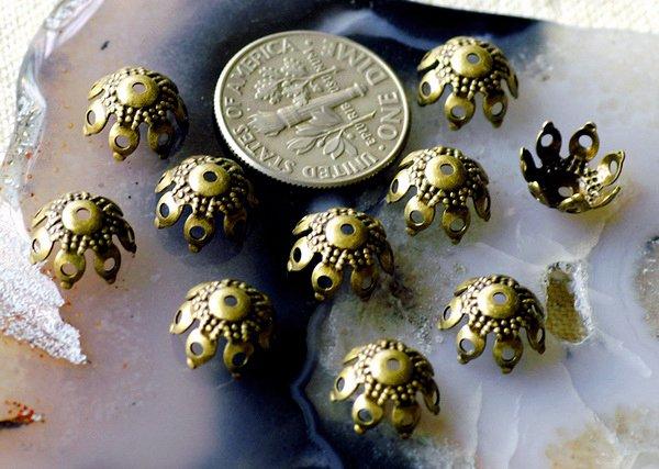 Antique Bronze Brass Stamping Filigree Bead Caps Center Drilled Flower Caps 9.5 mm bc08b (40pcs)