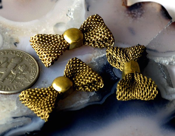4pcs Aged Brass Filigree Bow Tie Charms Pendant b36