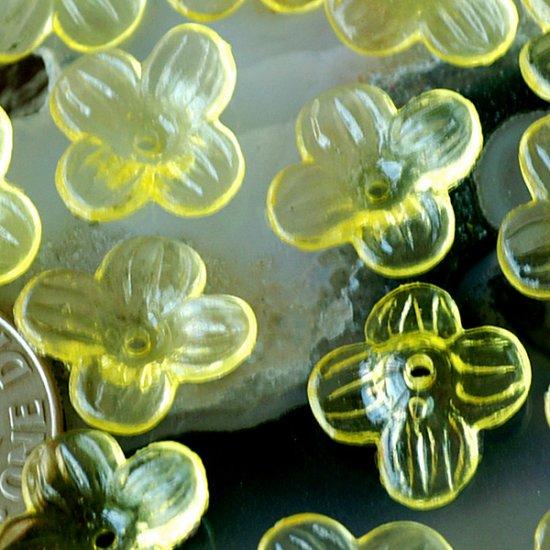 100pcs Beautiful Translucent Yellow Flower Beads 12mm p165y