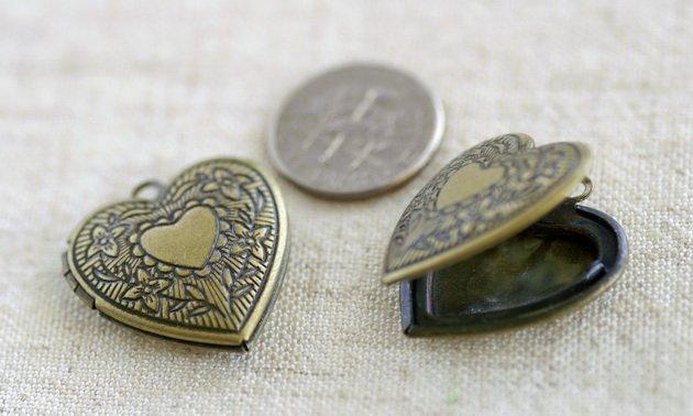 4pcs Antique Bronze Plated Brass Heart Lockets Pendant 22.5x24.5mm b17b