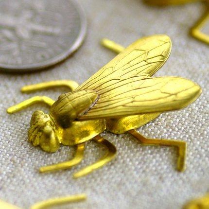 Solid Brass Filigree Gadfly Charms Animal Pendant 24x27mm b70 (4pcs)