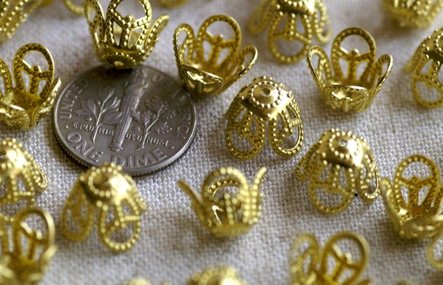 40pcs Solid Brass Stamping Filigree Charm Bead Caps Finding 10mm bc36