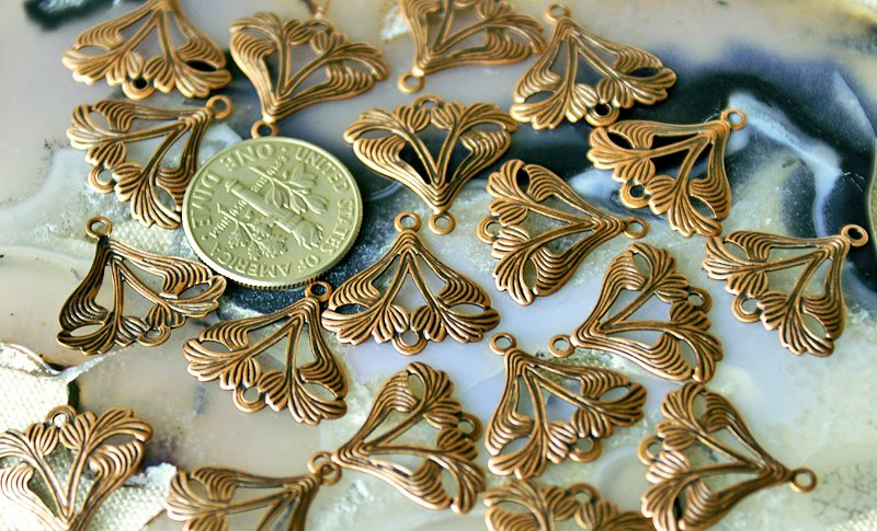 24pcs Antique Copper Plated Brass Filigree Wrappers Finding be20d