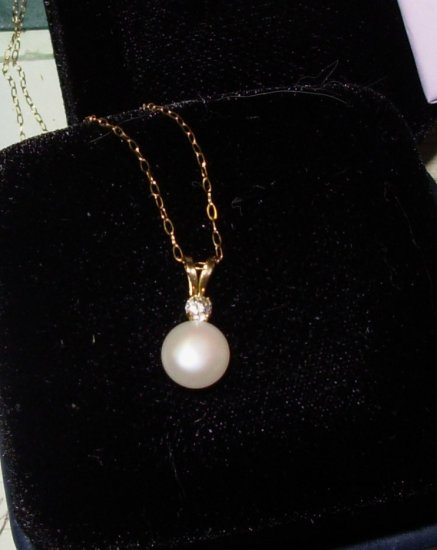 PEARL PENDANT FRESH WATER AND ROUND CZ SET IN 14K YG WITH CHAIN NEW