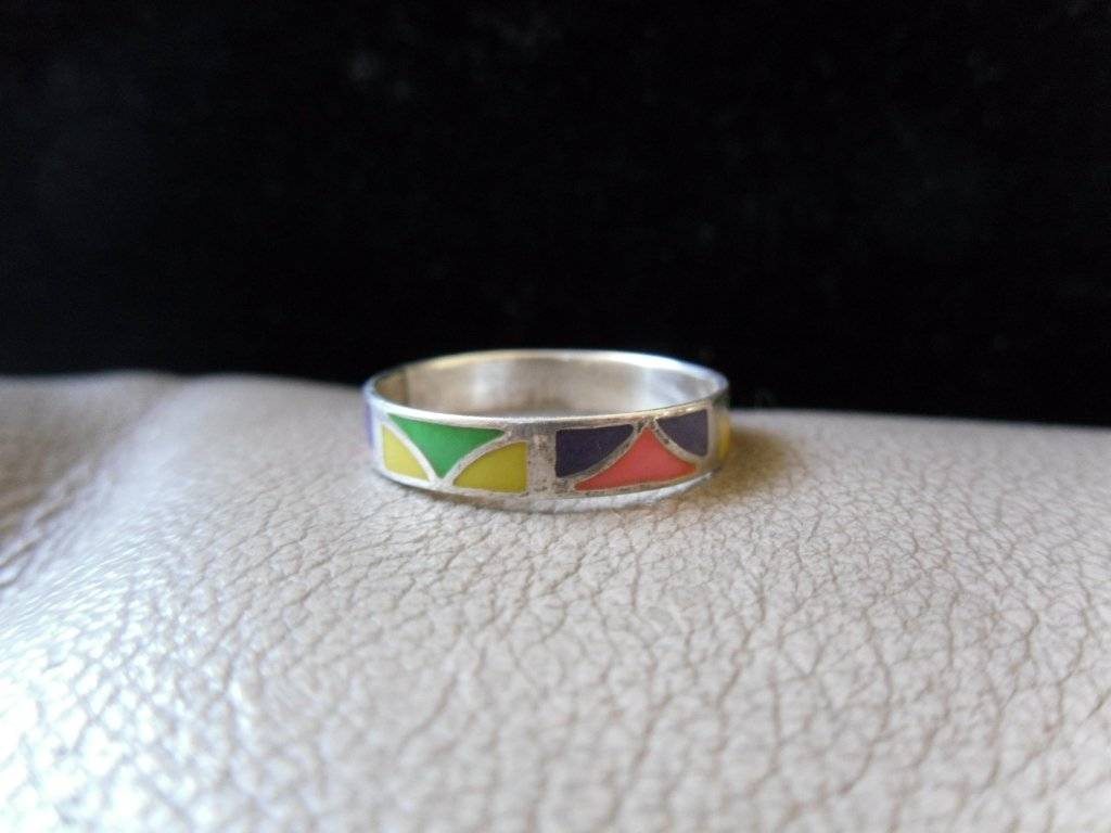 Vintage Silver Multicolored Pattern Ring (size 9)