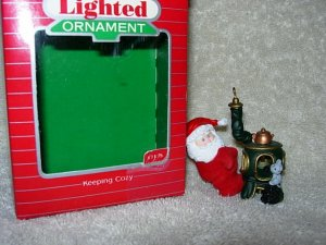 Hallmark Lighted Ornament ~ Keeping Cozy 1987