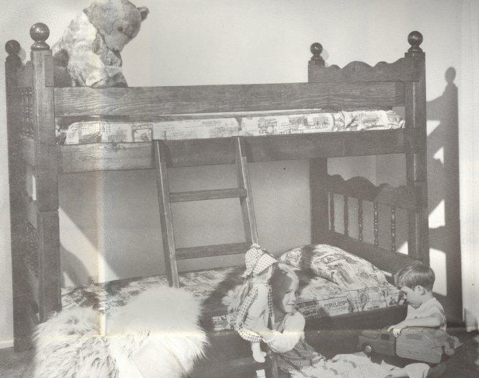 Twin Bed / Bunk Bed Pattern 1979 ~ U-Bild Wood Pattern