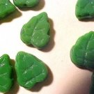 Leaves 25 Kelly Green Glass Beads