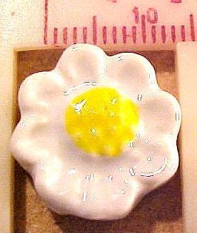 Flower Daisy 12 White Porcelain Beads