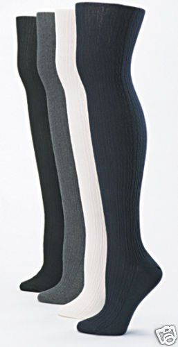 1 PAIR OF HUE CABLE KNIT SWEATER TIGHTS SZ M/L BLACK