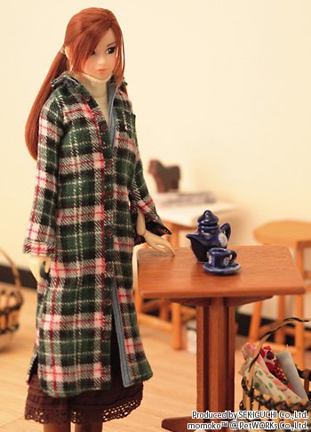 Momoko Doll with Checked Coat 1/6 Scale Fashion Doll