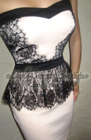 Size M: SEXY SWEETHEART CREAM CHANTILLY LACE TRIM FLORAL CORSET TULIP DRESS