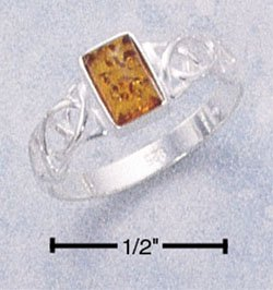 STERLING SILVER LADIES RECTANGULAR HONEY AMBER RING W/ CELTIC WEAVE BAND.