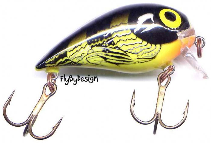 """Storm 1-1/2"""" Bumble Bee SubWart Shallow Diving Lure"""