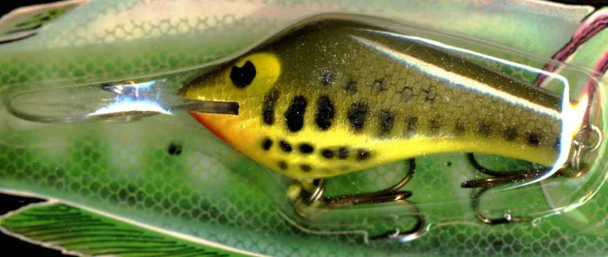 Vintage POE'S SUPER CEDAR Chartreuse Baby Bass 334 Lure