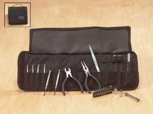 Tool Set in Folding Tote (27 Pieces) 1ct