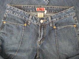 Buckle Brand Jeans Denims DIVA Park Ave Sz 28 BKE 54