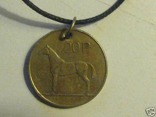 VINTAGE IRISH COIN PENDANT NECKLACE HORSE HARP JEWELRY